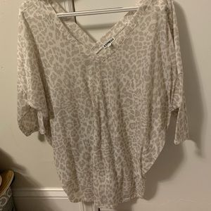 Express leopard quarter sleeve top